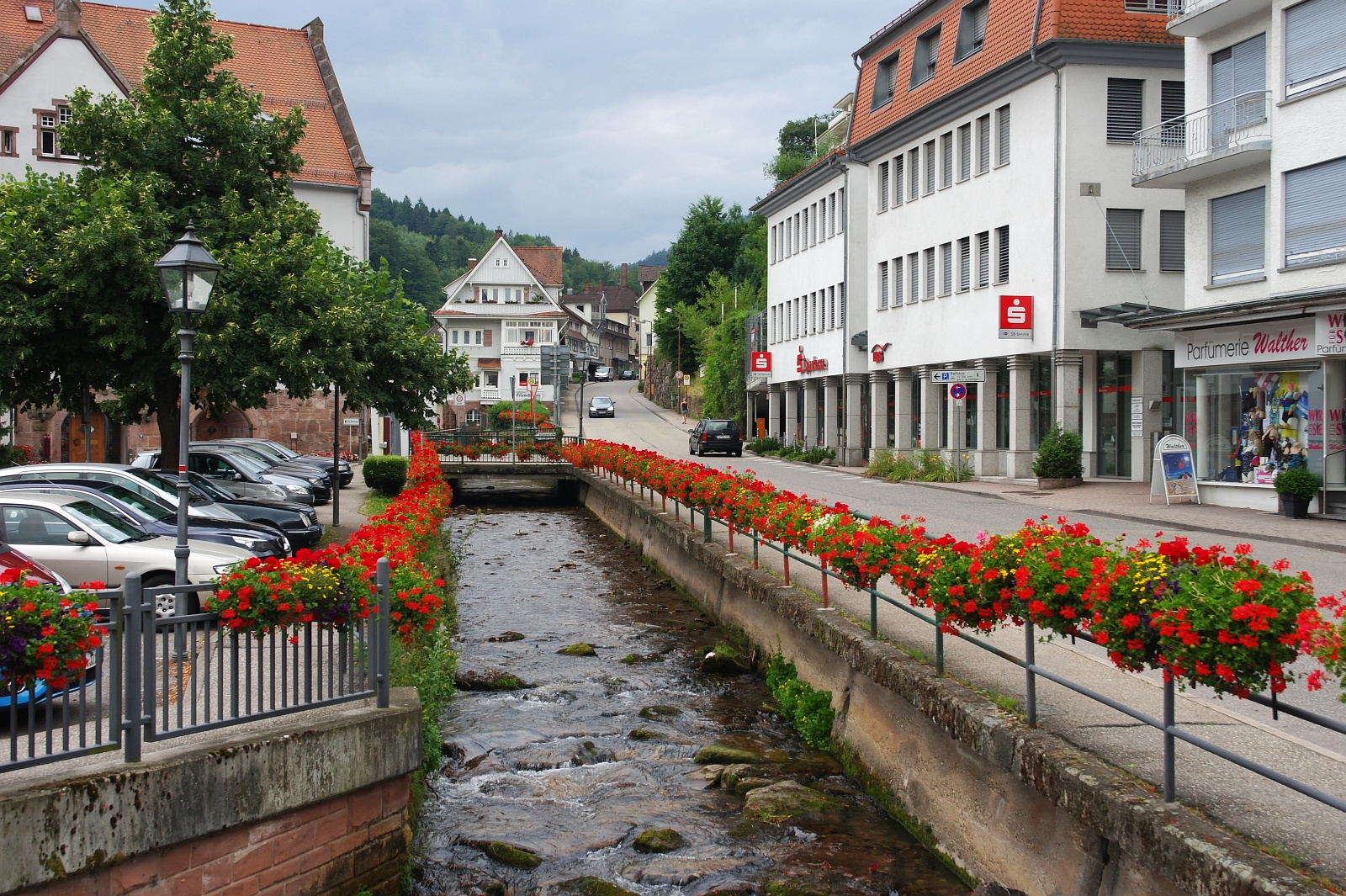 bad neustadt black singles This family-run, 3-star hotel in the franconian town of bad neustadt offers free wi-fi, soundproofed rooms, and free entrance to the triamare spa.
